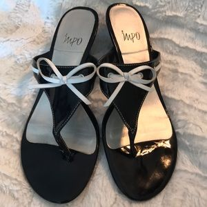 7.5 Impo Black White Sandals Heel Bow